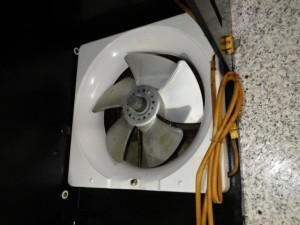 みよし市 フード内金属換気扇取替工事 施工前